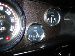 20041114_02.jpg AstonMartin V8