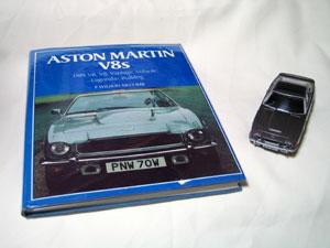 20041206_03.jpg ASTON MARTIN V8s